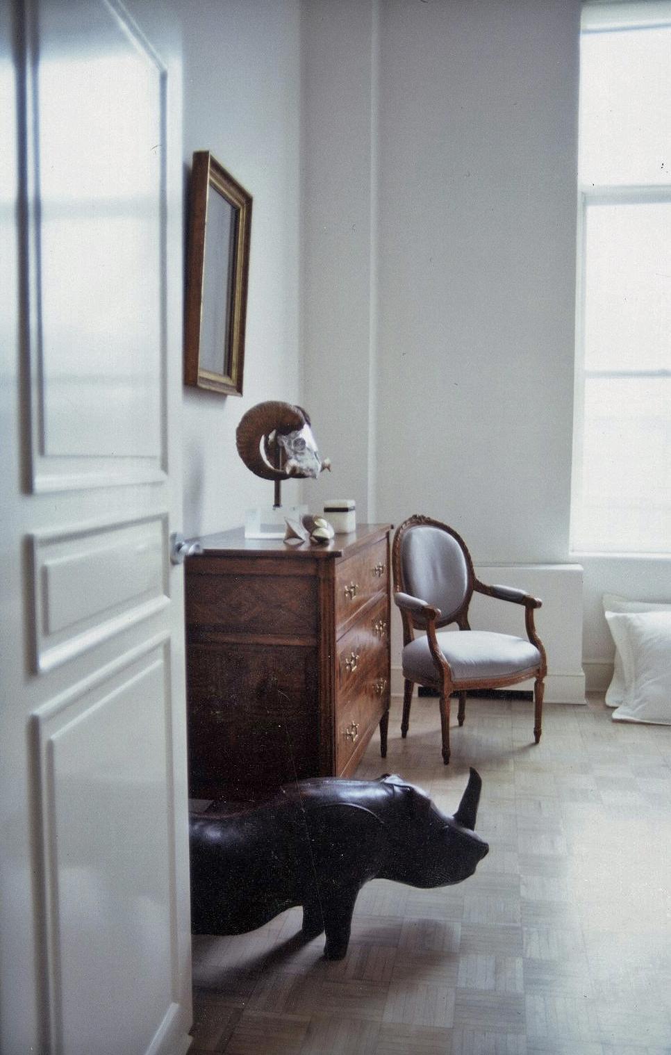 Master Bedroom - Dresser Vignette_ret